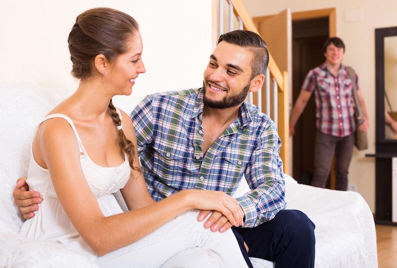 woman-cheating-on-husband